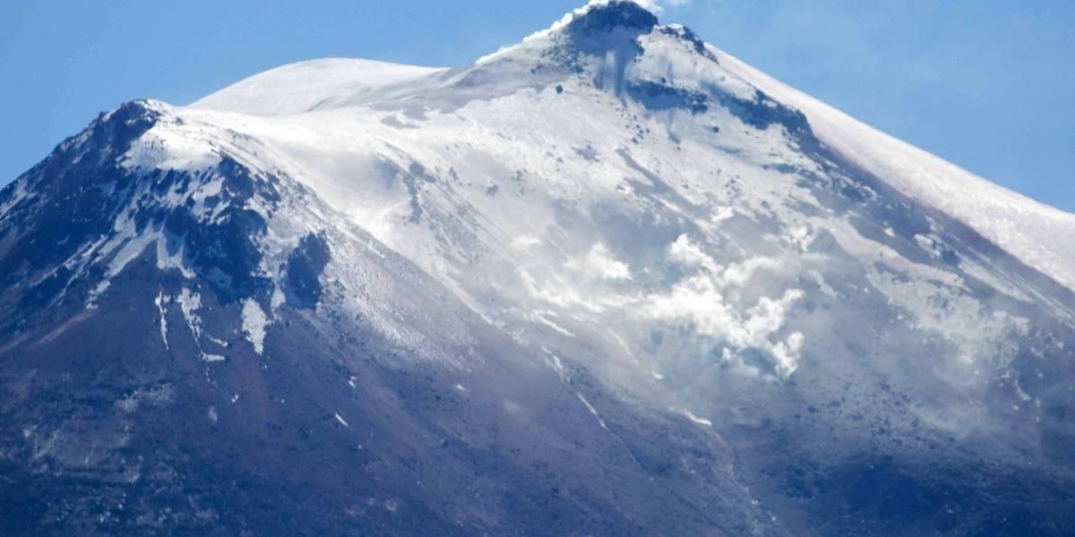 Alerta Naranja para Complejo Volcánico Nevados de Chillán: Sernageomin registra vista aérea para analizar cambios en su comportamiento