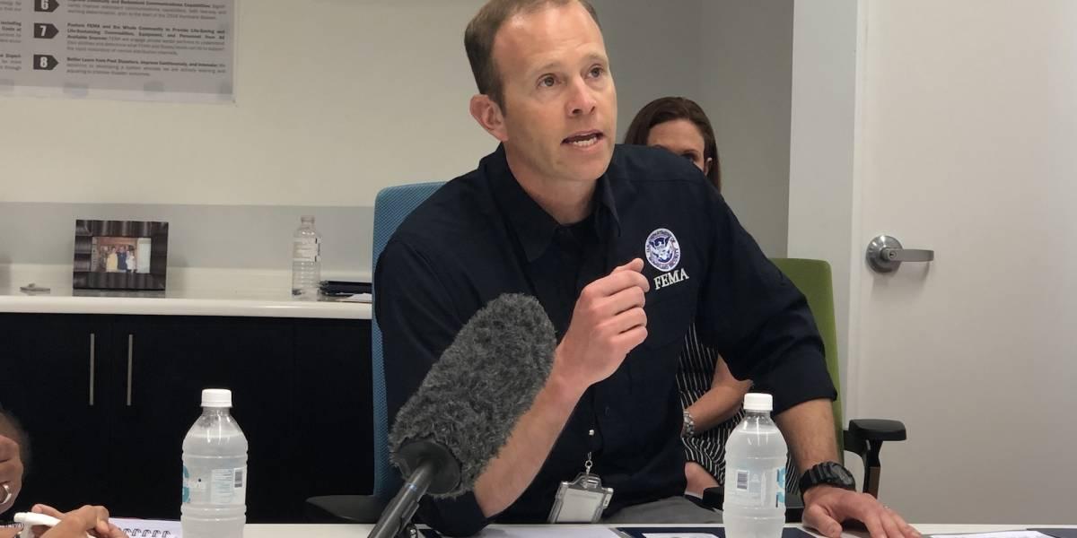 Administrador de FEMA pone en duda cifra de muertes provocadas por María