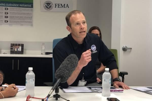 El administrador de FEMA, Brock Long, en conferencia de prensa en Puerto Rico. / Foto: David Cordero Mercado