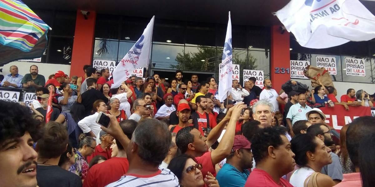 AO VIVO: acompanhe a prisão de Lula