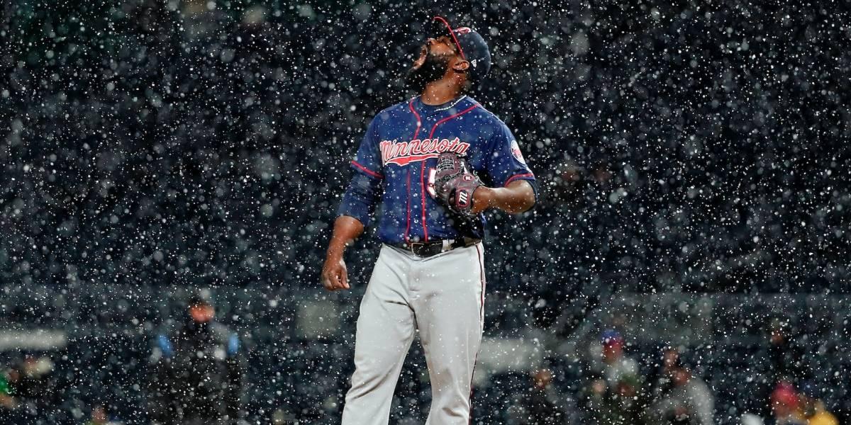 Nieve y mucho frío al iniciar la temporada en Grandes Ligas