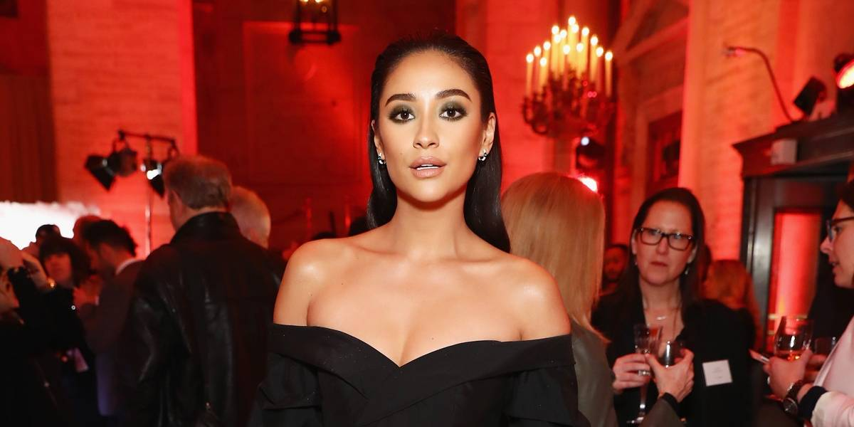 Shay Mitchell é acusada de falsificar fotos no Instagram