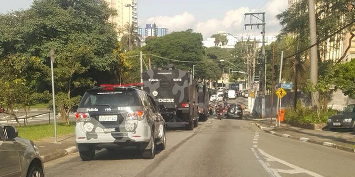Imagens mostram carros da tropa de choque em São Bernardo