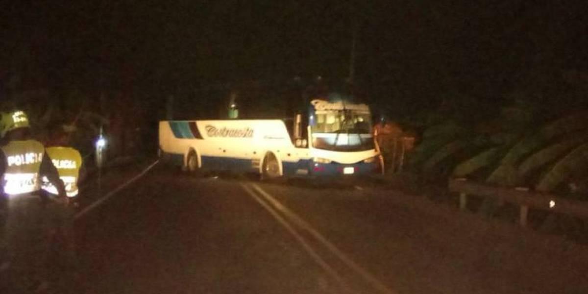 Hombre con supuesto explosivo secuestró un bus intermunicipal en Magdalena