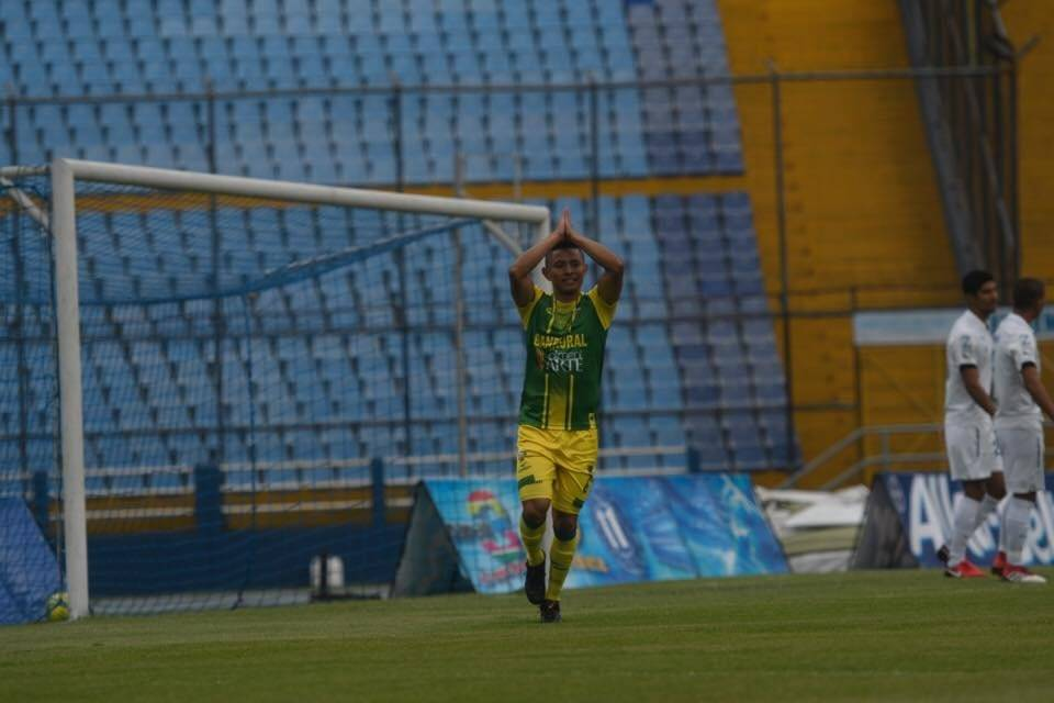 Carlos Mejía abrió el marcador para Petapa