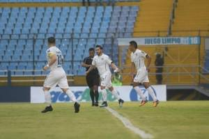 https://www.publinews.gt/gt/deportes/2018/04/20/comunicaciones-se-juega-e-la-vida-ante-malacateco.html