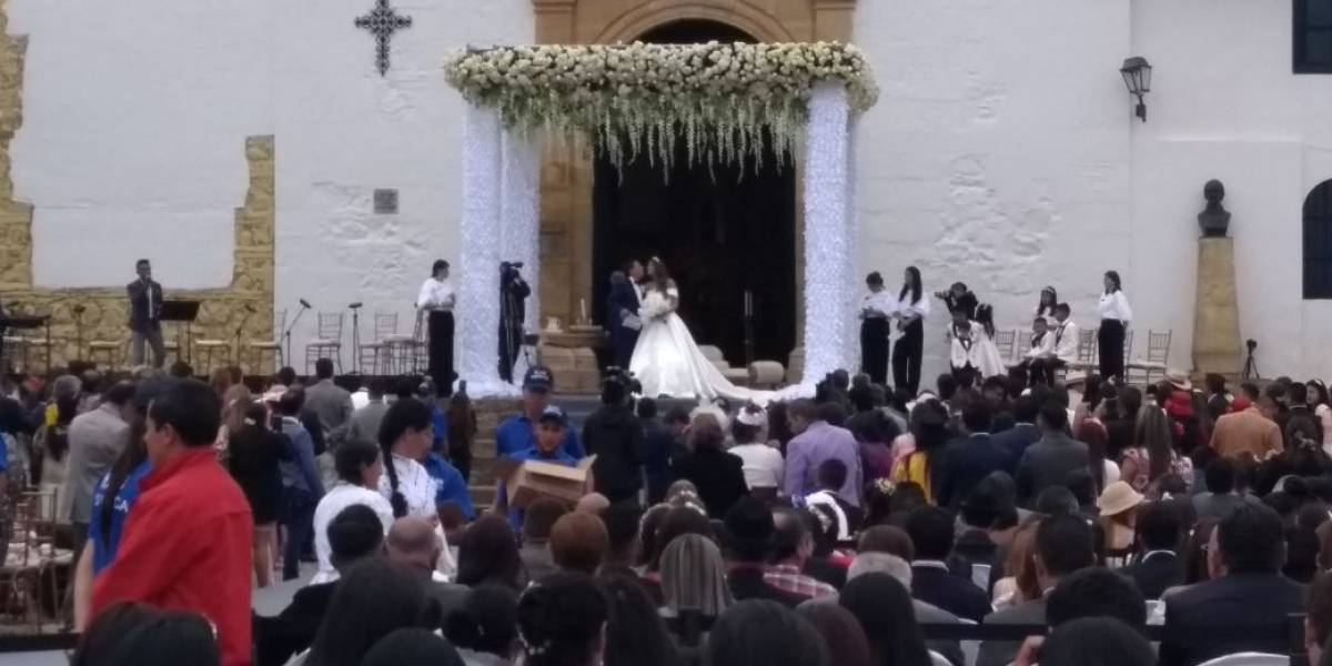 "La ""boda real"" del gobernador de Boyacá que llenó de críticas a Villa de Leyva"