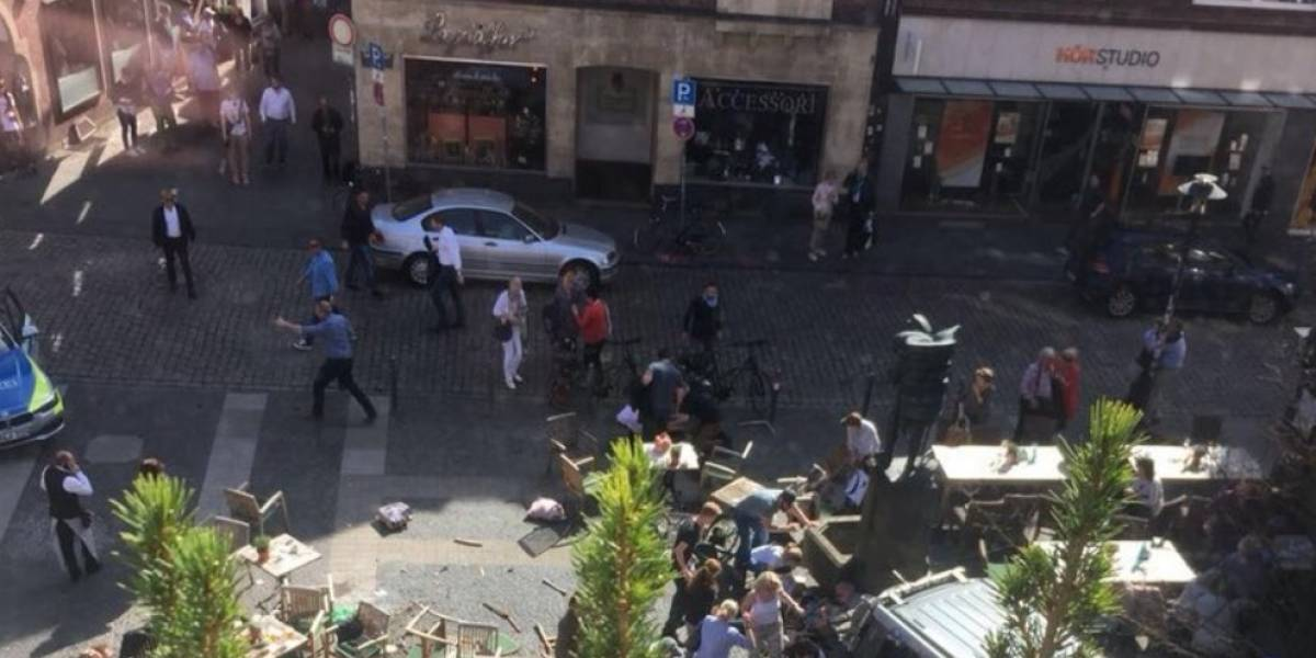 Vehículo embiste a una multitud en Alemania y deja varios muertos y heridos