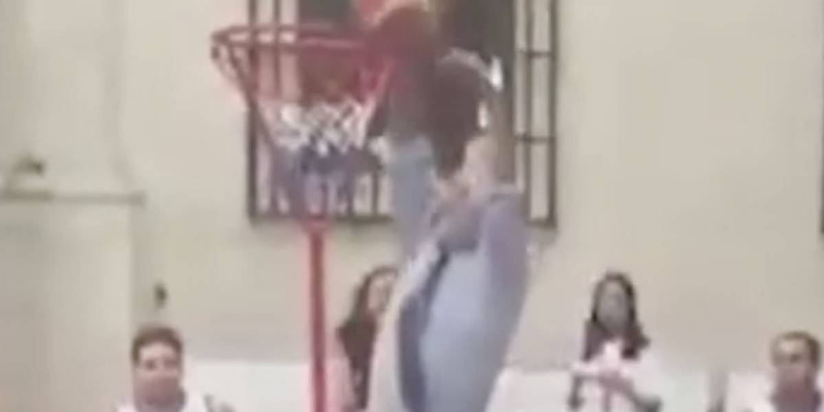 """Un grande Sebamichi Piñiragi"": la hilarante versión Slam Dunk a fail basquetbolista de Piñera que la rompe en Facebook"
