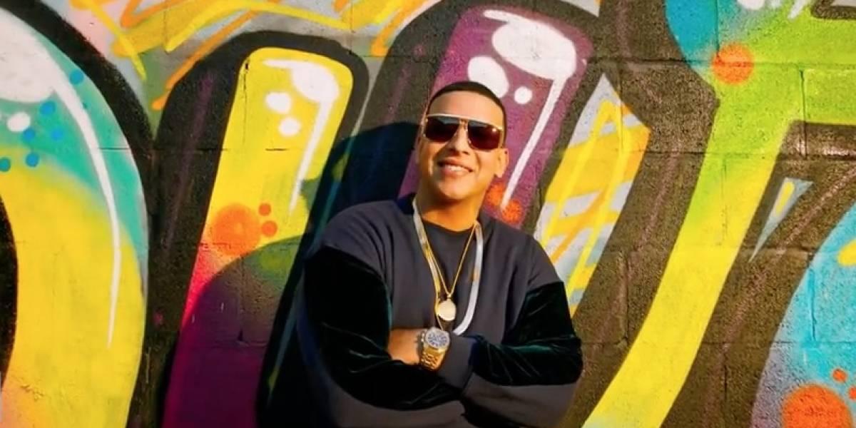 Daddy Yankee se rindió ante los pasos del Spiderman de Santiago