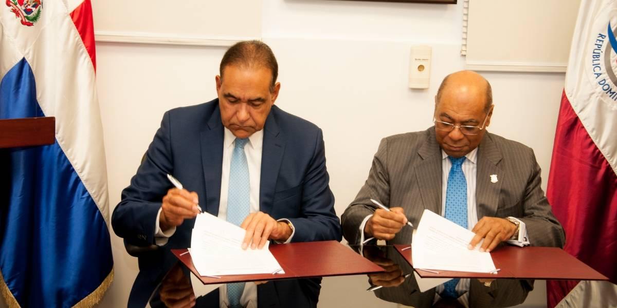Tribunal Constitucional y Hospital General Plaza de la Salud suscriben acuerdo para creación de unidad médica