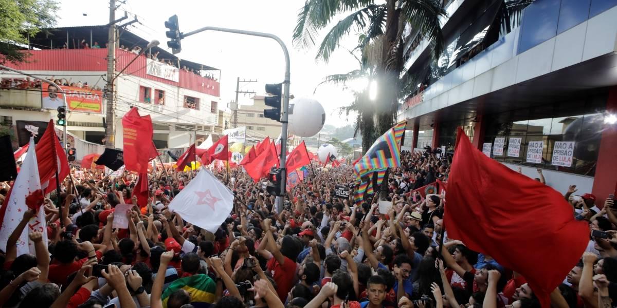 Lula passa segunda noite no Sindicato dos Metalúrgicos