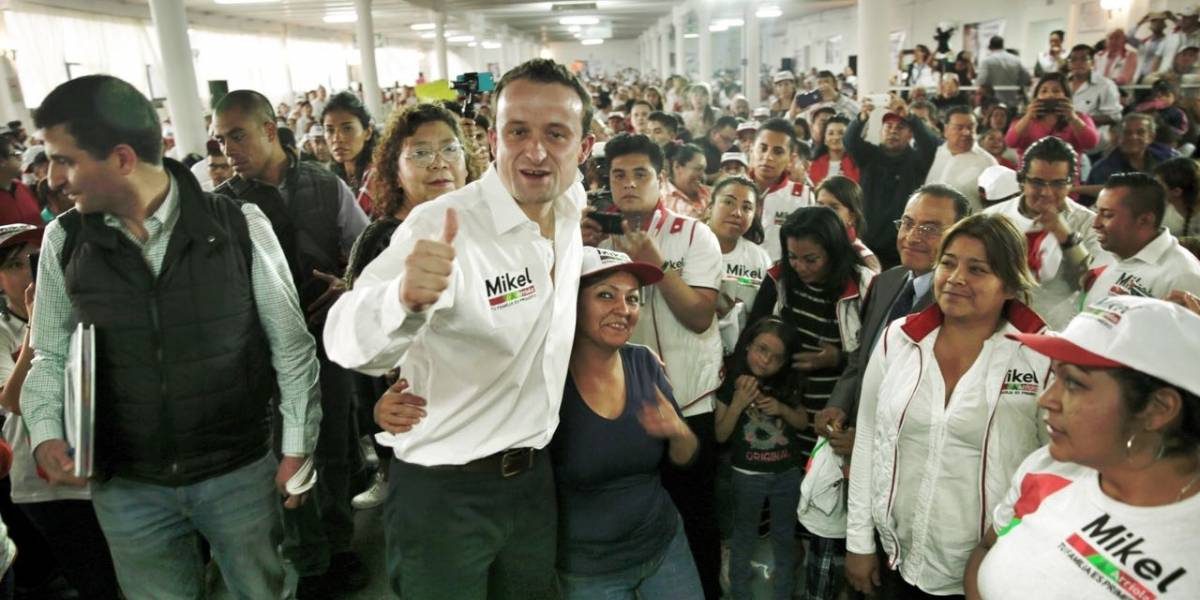 Respaldan miles a Mike Arriola en Tlatelolco