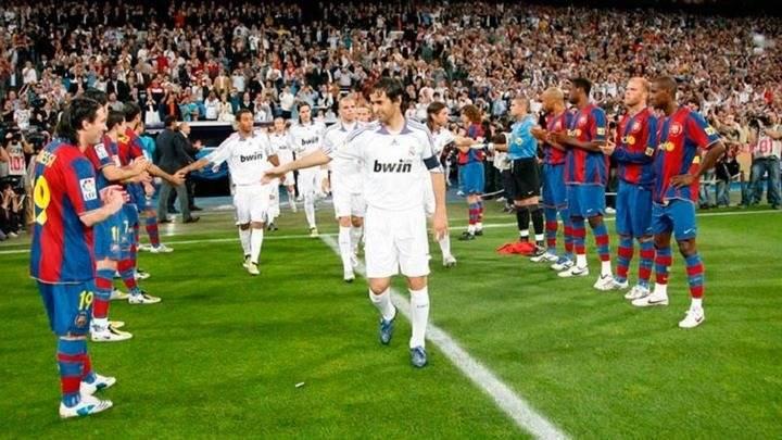 El Barça le hizo pasillo al Real Madrid en 2008.