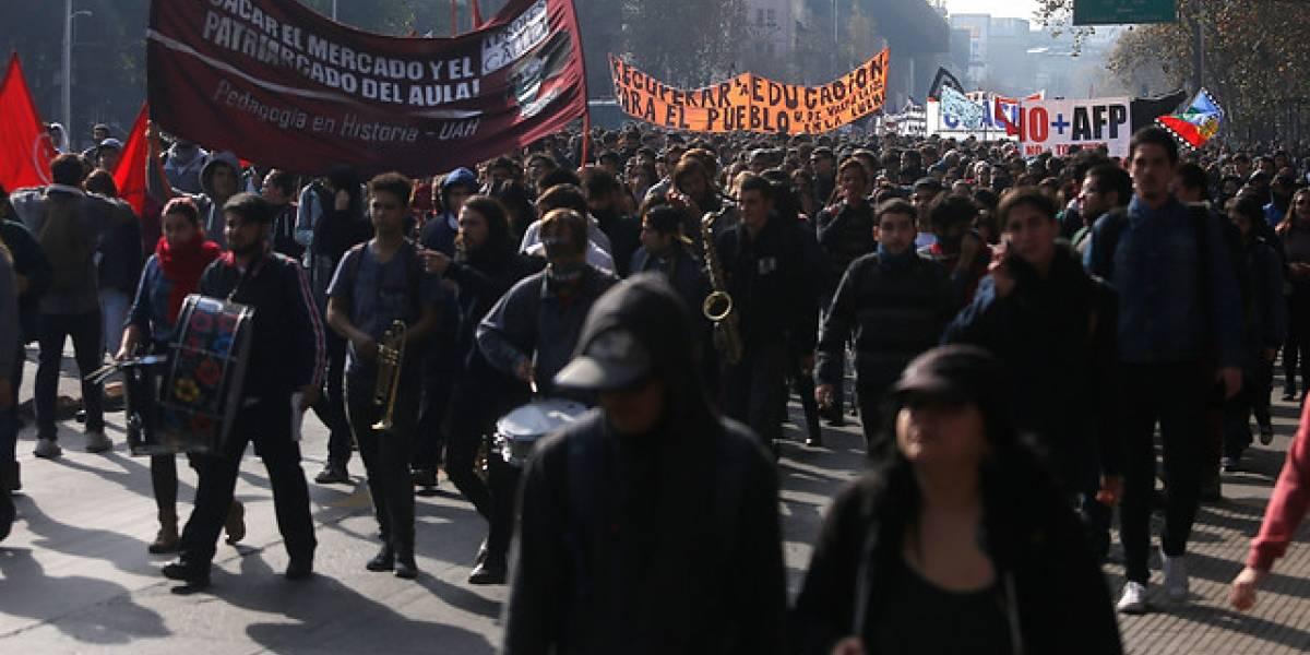 """""""Chile ya decidió"""": Confech llamará a paro y marcha estudiantil para el 19 de abril"""