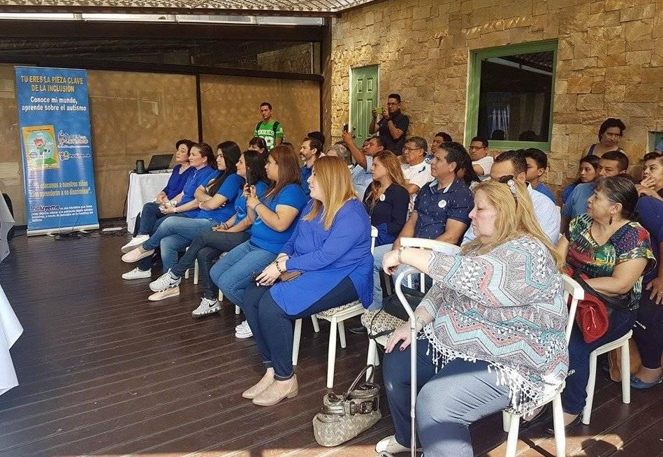 """Durante la primera conmemoración del Día nacional del autismo: """"Una sola voz por el autismo Guatemala"""", participaron alrededor de 90 organizaciones para fomentar el respeto y fortalecer la educación sobre el autismo, con actividades en educación, salud, nutrición, cultura y deportes. Foto: Douglas Suruy"""