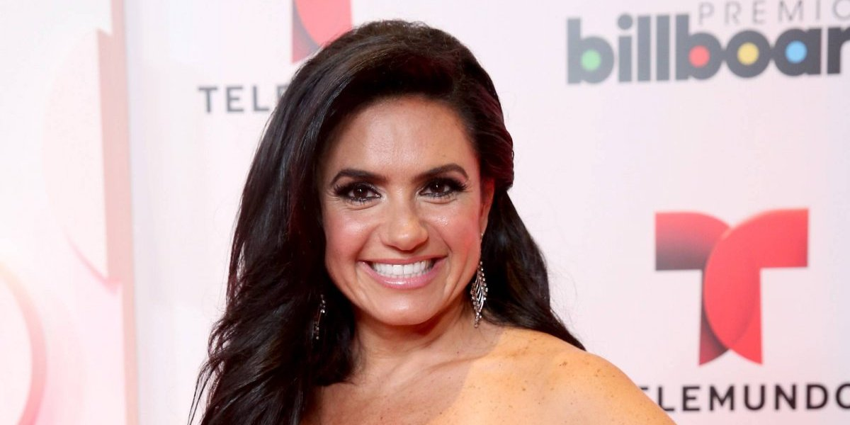Carmen Muñoz es sustituida por Penélope Menchaca en Enamorándonos
