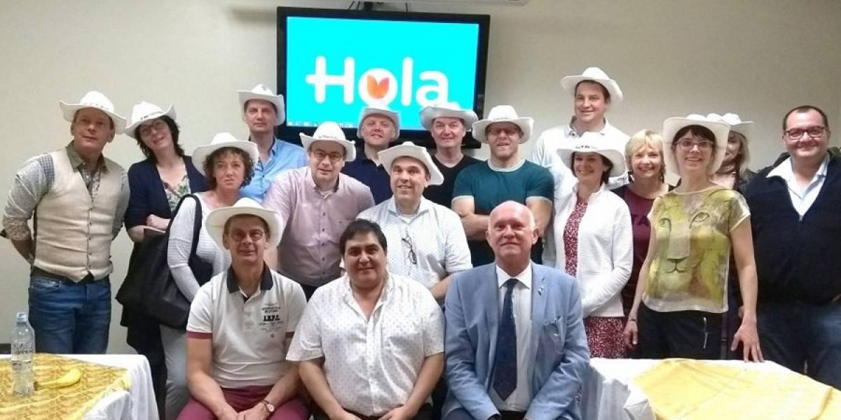 Pasteleros internacionales visitan la Holandesa para conocer su calidad en producción