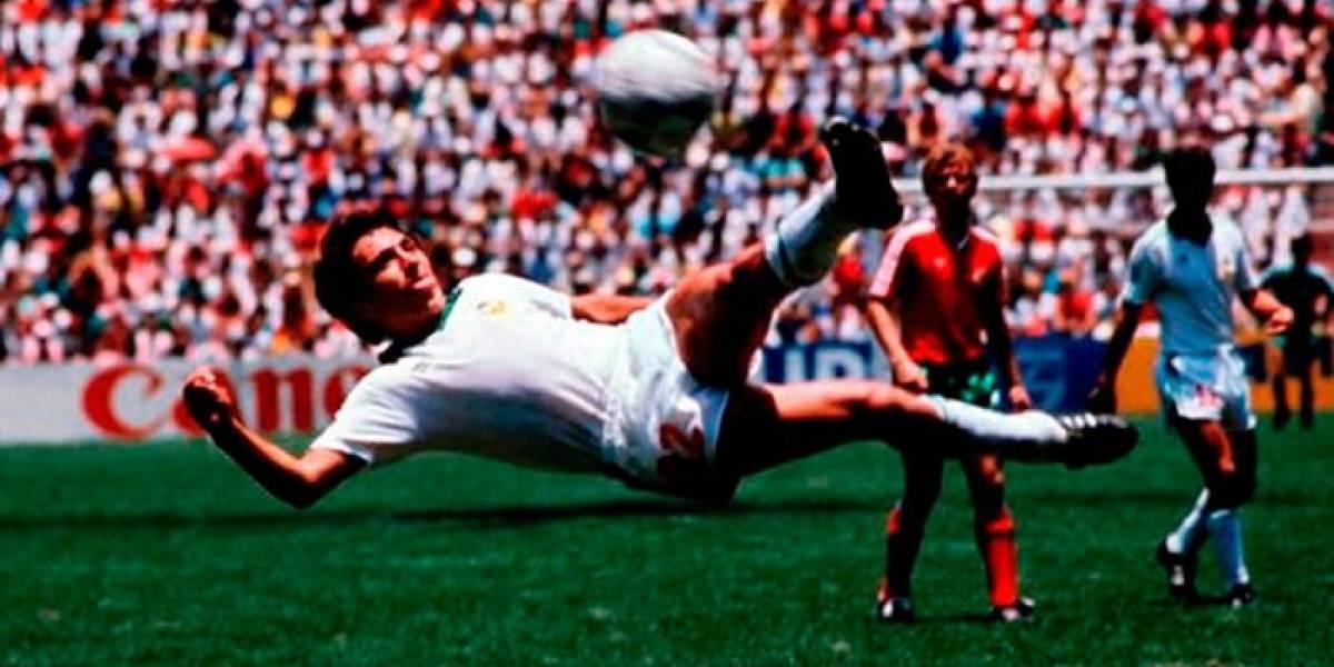 El gol con el que Negrete compite por ser el mejor en la historia de los Mundiales