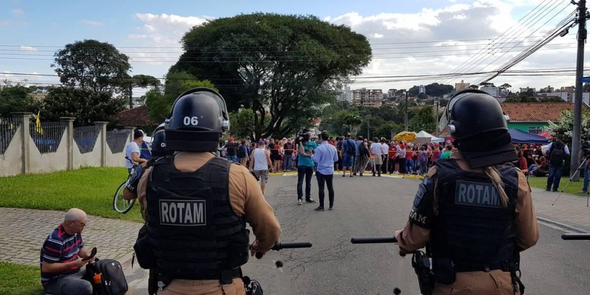 """Santa Cândida, Curitiba: chegada de Lula ao bairro onde fica a PF divide os novos """"vizinhos"""" do petista"""