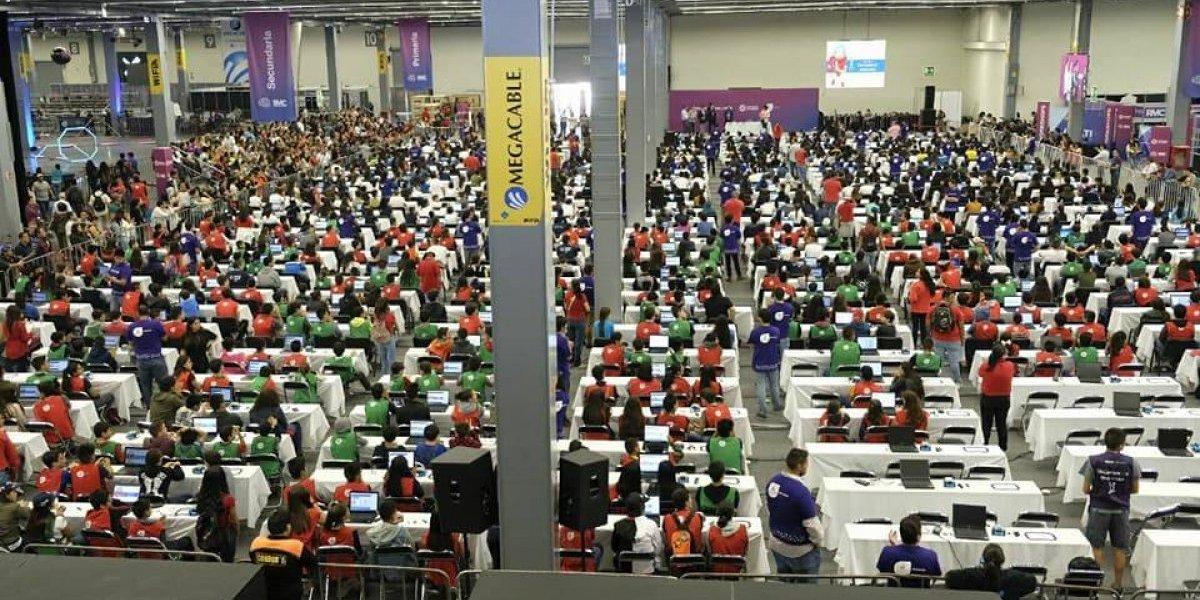 México consigue un nuevo Récord Guinness: la clase de robótica más grande del mundo