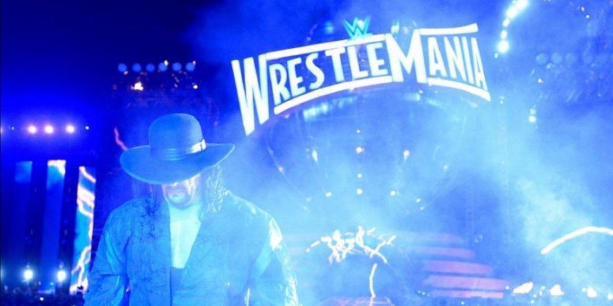 El Undertaker regresó a la WWE con una paliza sobre John Cena