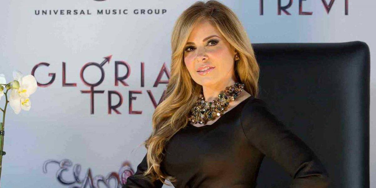 La cantante mexicana Gloria Trevi enseñó de más en pleno concierto