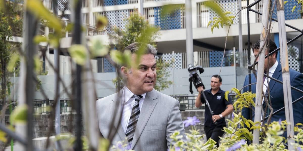 José Serrano rindió versión en la Fiscalía y acusó a Carlos Baca de persecución