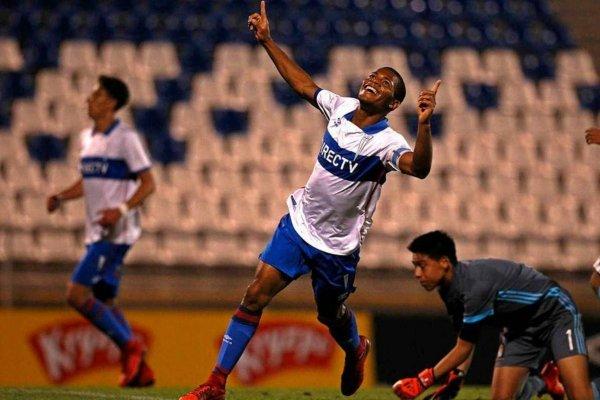 César Munder se ha destacado con sus goles en las inferiores de la UC / Foto: cruzados.cl