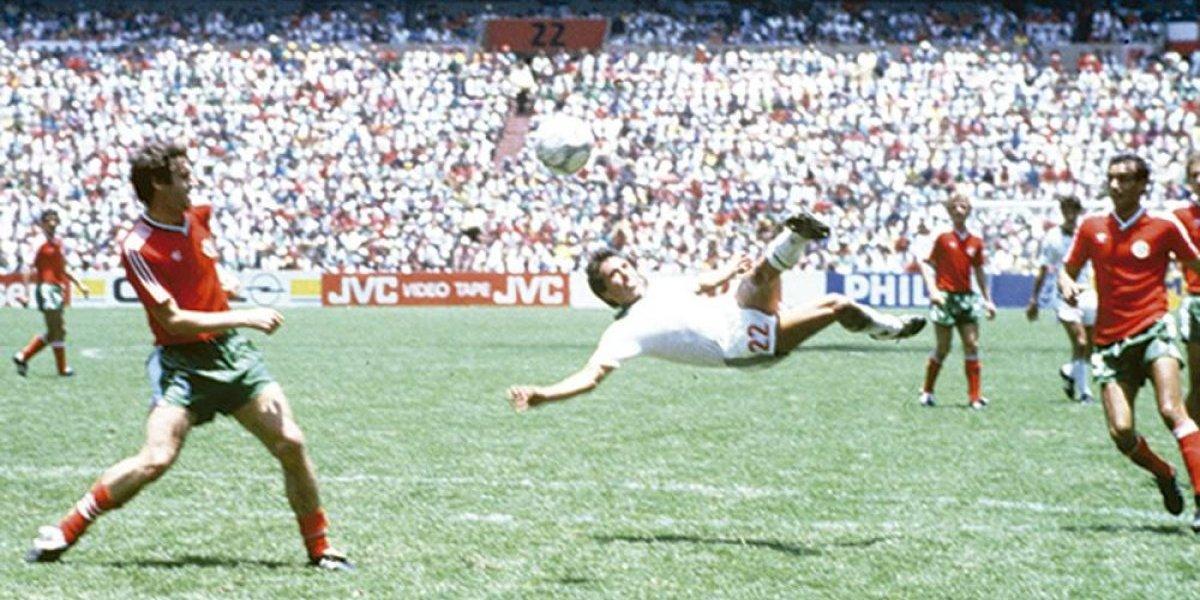 Los argentinos están furiosos: un gol mexicano es elegido como el mejor de los Mundiales