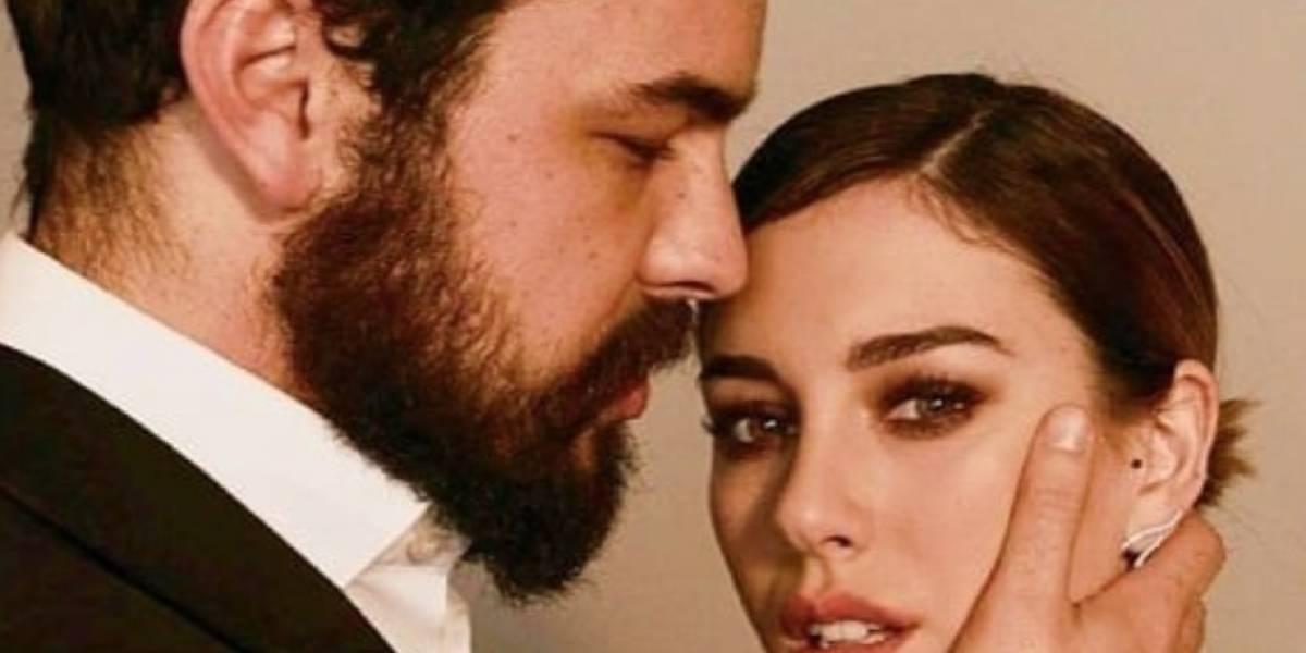 Captan a Mario Casas y Blanca Suárez besándose en público