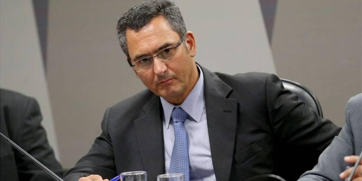 Quem é o novo ministro que vai gerir economia por 9 meses após saída de Meirelles