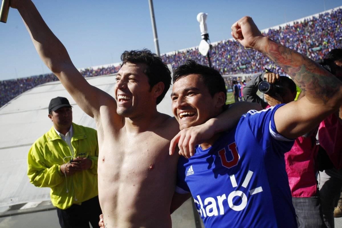 Rojas y Aránguiz celebraron con todo el último triunfo de la U sobre Colo Colo / Photosport