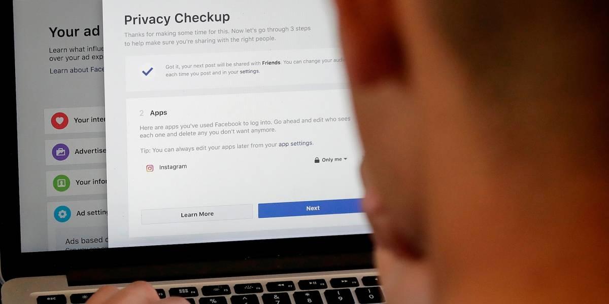 Facebook empieza a alertar usuarios afectados por privacidad