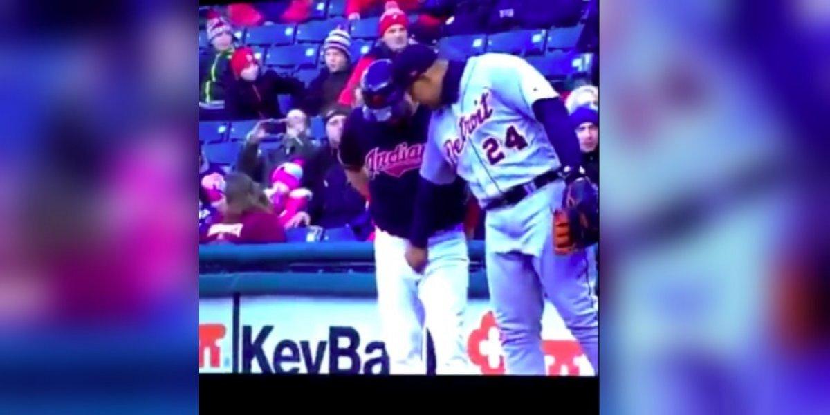 VIDEO: Beisbolista toca partes íntimas de su rival en partido