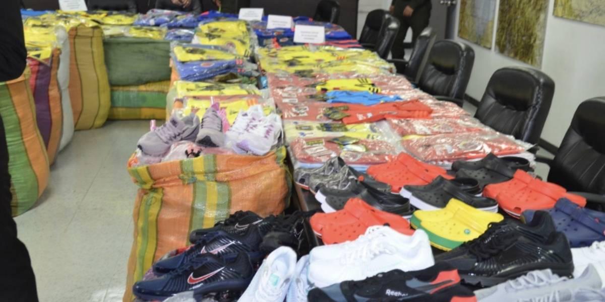 Decomisaron ropa de la selección Colombia y láminas falsas del álbum del Mundial en el sur Bogotá