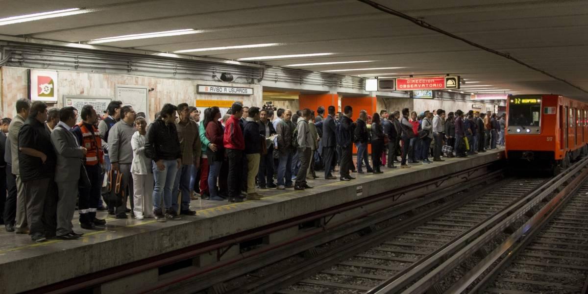 Detienen en metro Balderas a sujeto que pretendía robarse a una niña