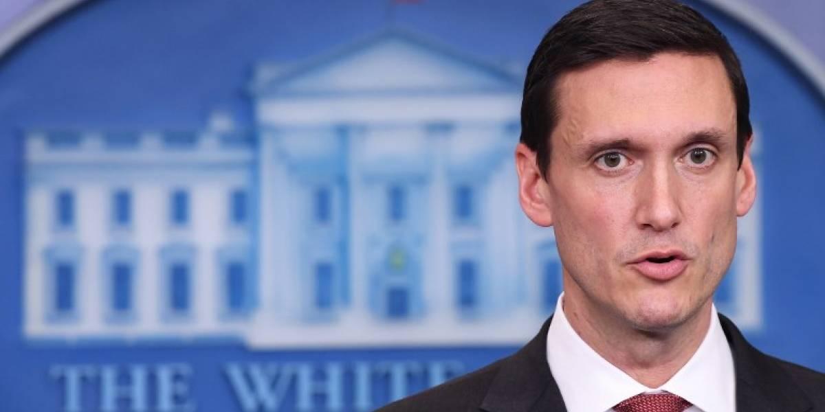 Renuncia el asesor de Trump para Seguridad Interior