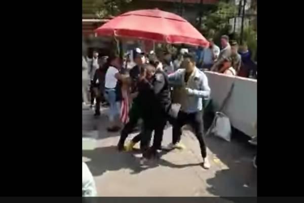 ESTUDIANTES VS POLICIAS
