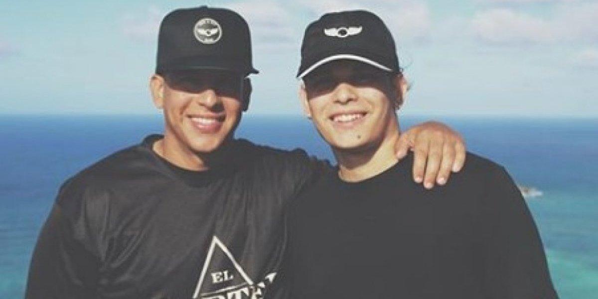 Hijo de Daddy Yankee sorprende con enorme parecido a su padre
