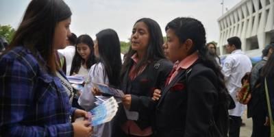 Usac brinda información a estudiantes de diversificado