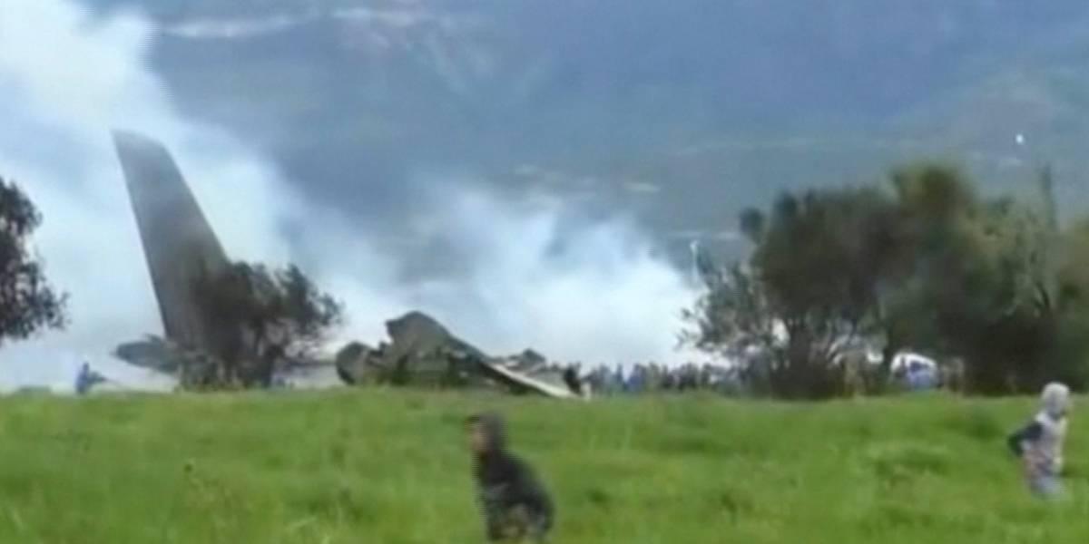 Avião cai na Argélia e deixa mais de 250 mortos