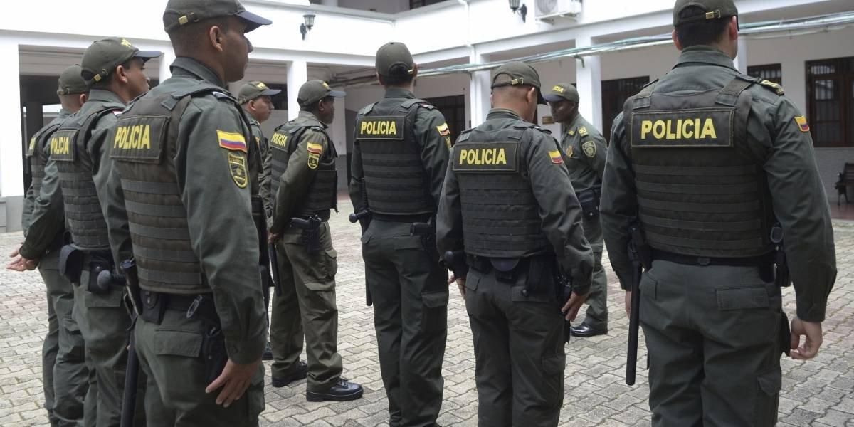 Mueren ocho policías en atentado con explosivos en Colombia