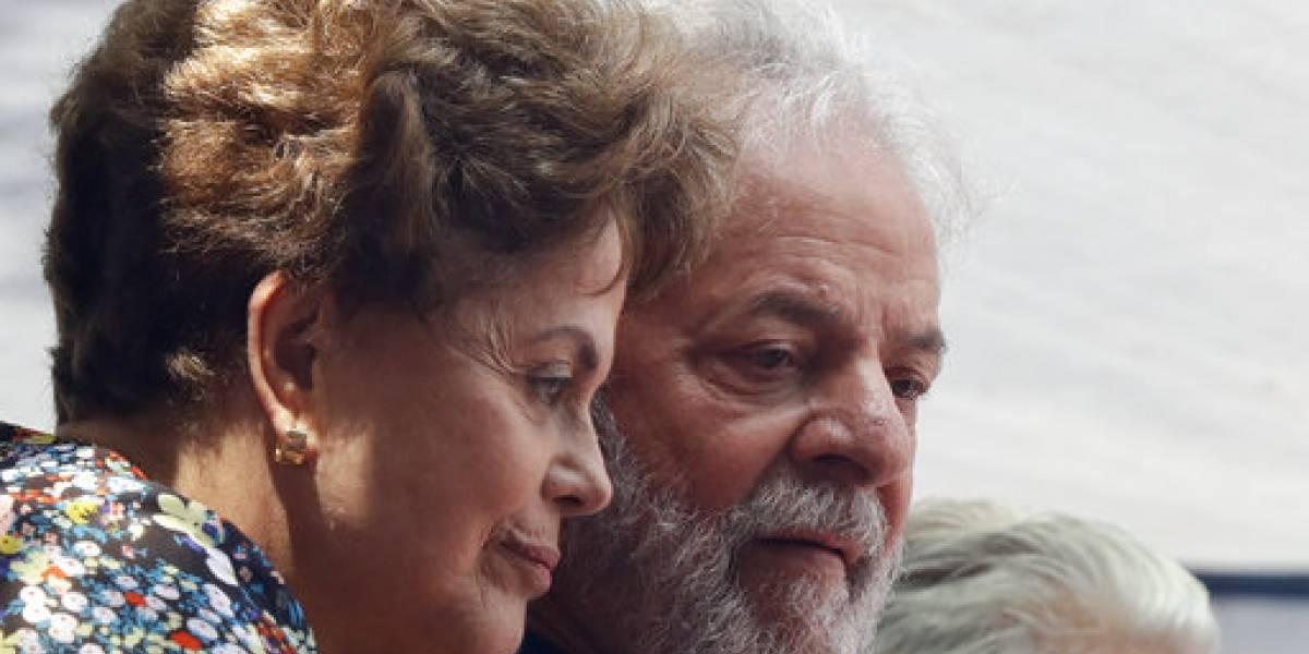 """Ex Presidenta de Brasil, Dilma Rousseff dijo que pena de cárcel de Lula da Silva """"es la tercera etapa del golpe"""""""