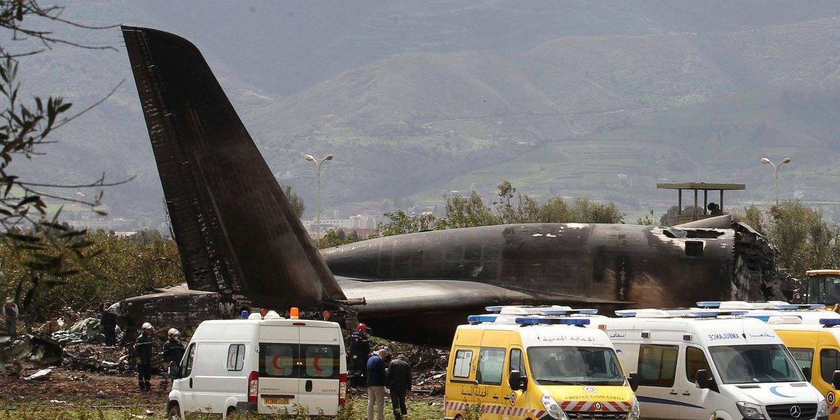 Accidente de avión militar en Argelia deja al menos 257 muertos