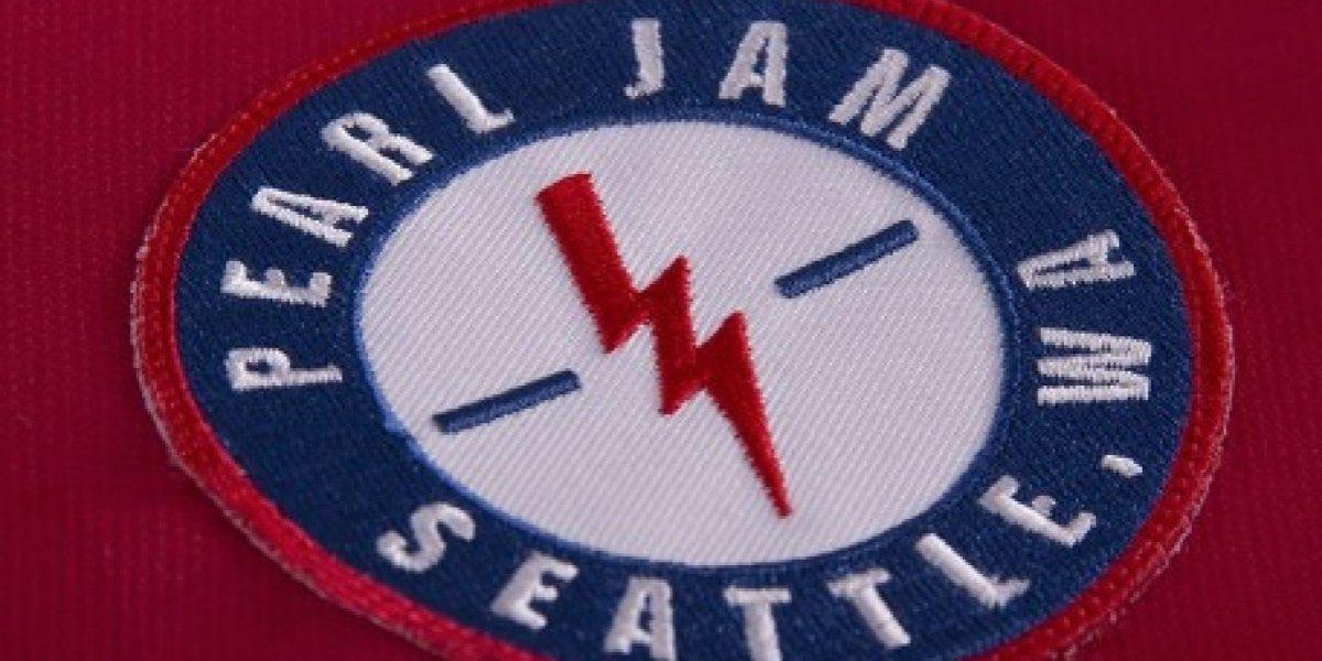Pearl Jam lanza camisetas de fútbol y Chile tiene su propio modelo