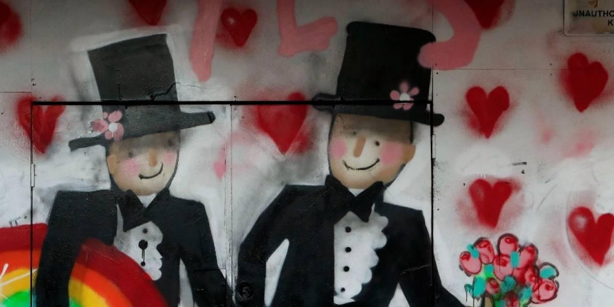 Matrimonio gay llenó de críticas a pueblo de Colombia