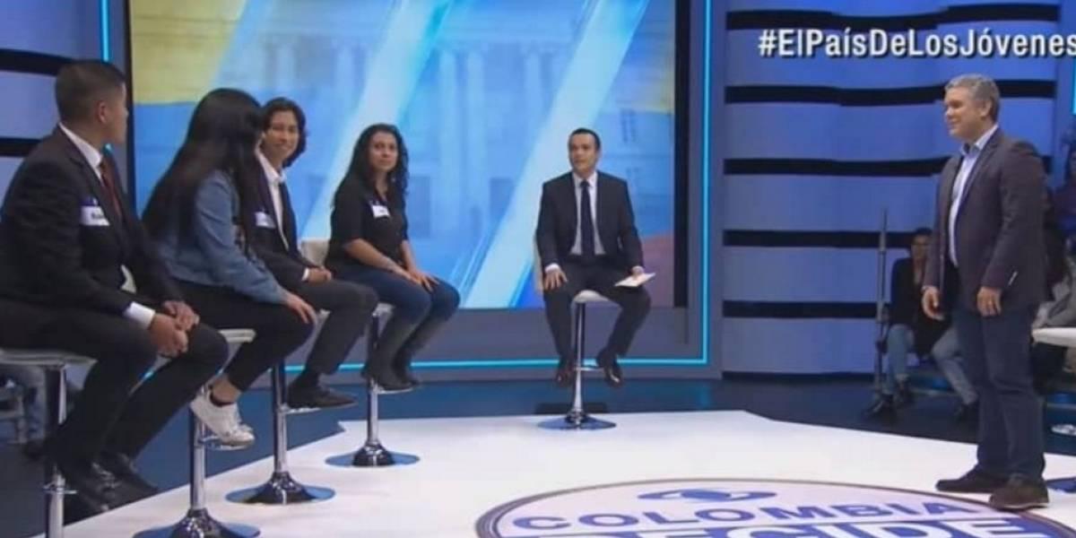 Duque defendió a Uribe y jóvenes de Caracol se molestaron