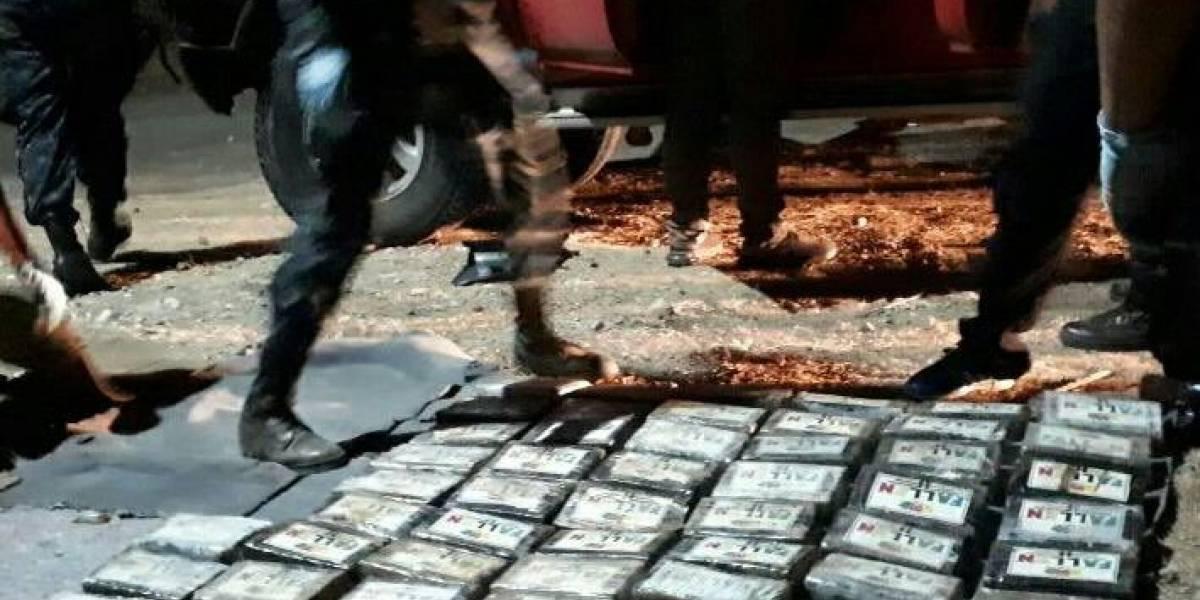 Localizan 98 paquetes con posibles ilícitos en Zacapa