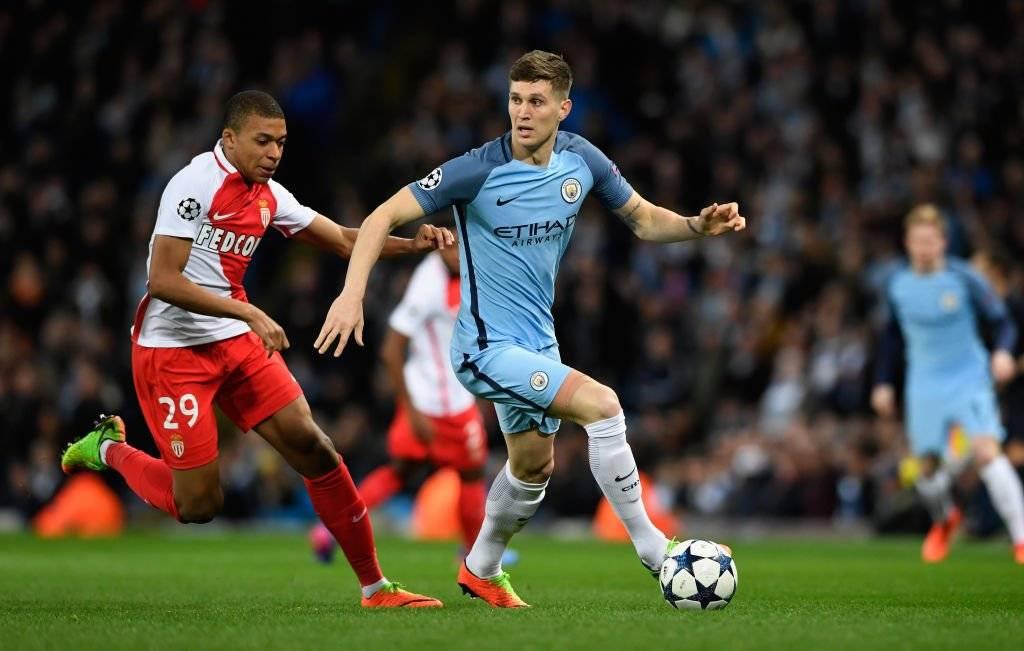 El City pagó 55,6 millones de euros por el defensa John Stones, el fichaje más caro de la primera temporada de Guardiola en el City / Foto: Getty Images